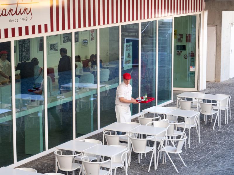 Reflect at a Portuguese Café